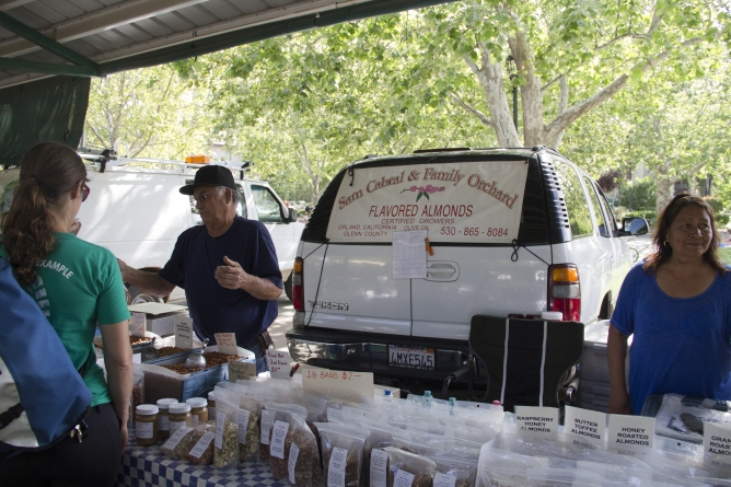 Davis Farmers Market features local vendors, restaurants