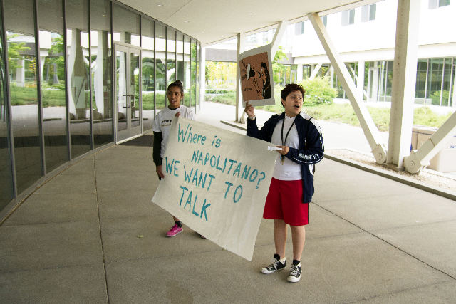 Students protest Napolitano visit to UC Davis