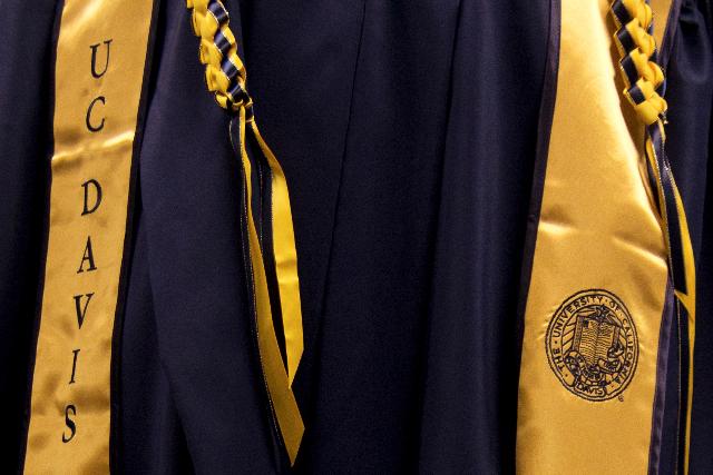 Uc Davis Stores Unveil New Graduation Gowns The Aggie