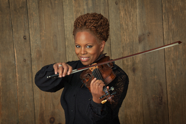 Regina Carter to take Mondavi Center stage