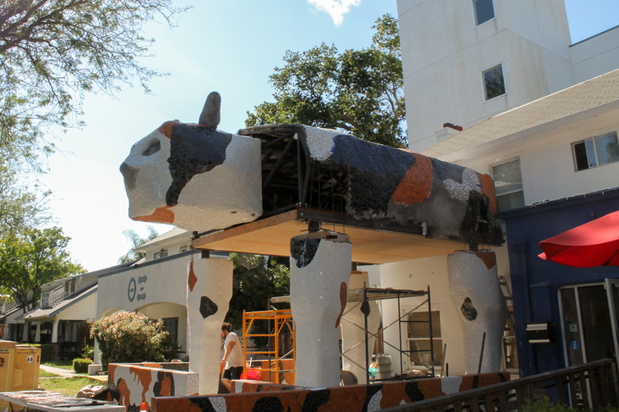 Community helps create new cat sculpture