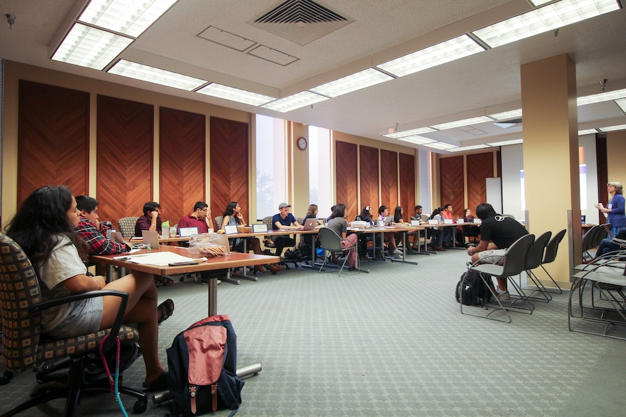 ASUCD senators vote to forfeit stipend to help combat financial deficit