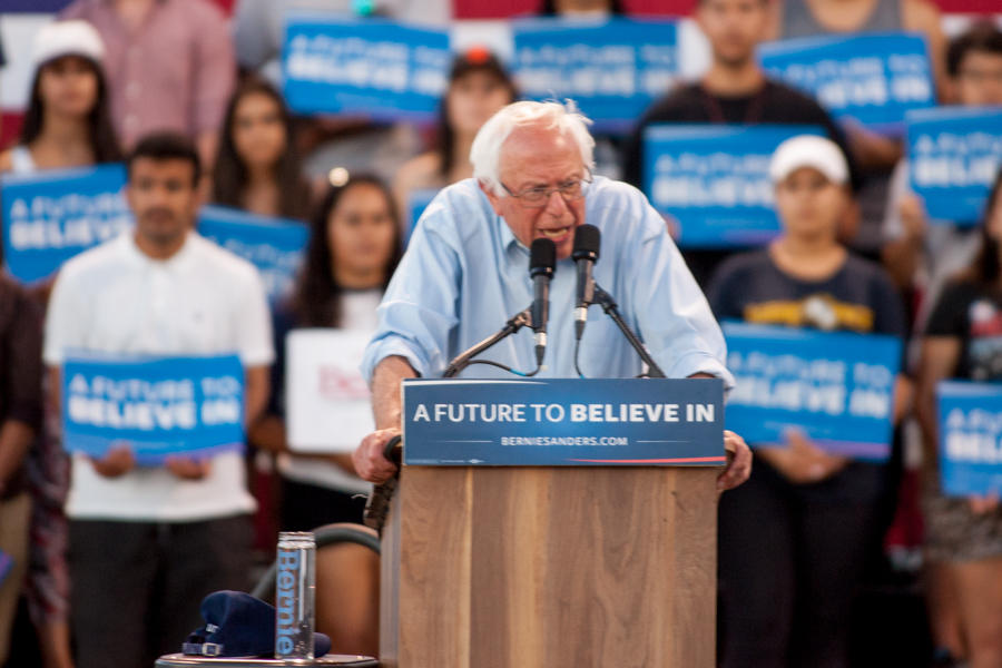 Bernie Sanders draws crowd of over 9,000 to UC Davis