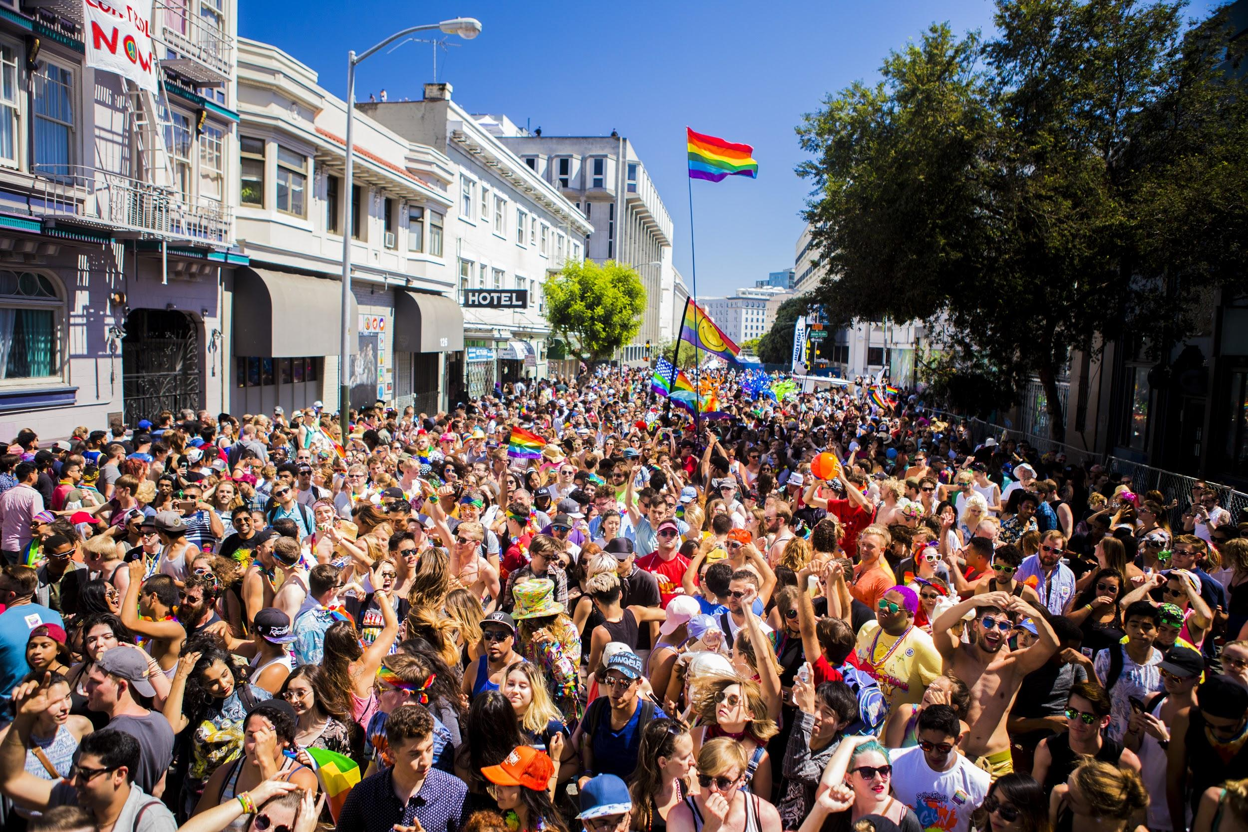 I had the great honor of being invited out to capture life from one of the stages at SF Pride 2016. (CHARLES MIIN)