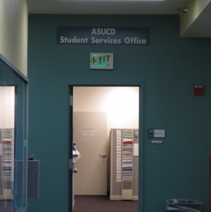Humor: Outgoing ASUCD senators make New Year's Resolution to actually do something