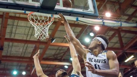 UC Davis men's basketball dominates, usurps UC Irvine