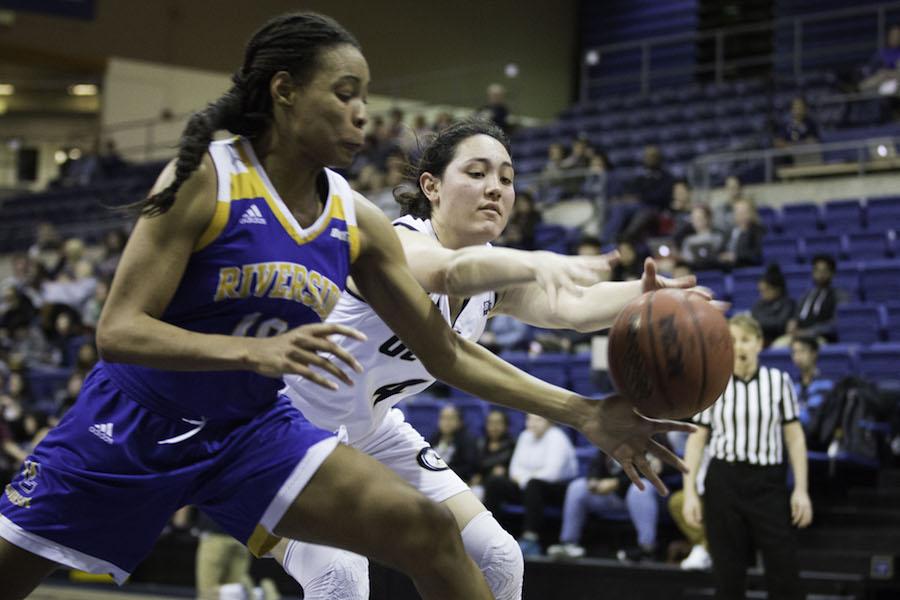 UC Davis women's basketball team rides monstrous third quarter to victory over UC