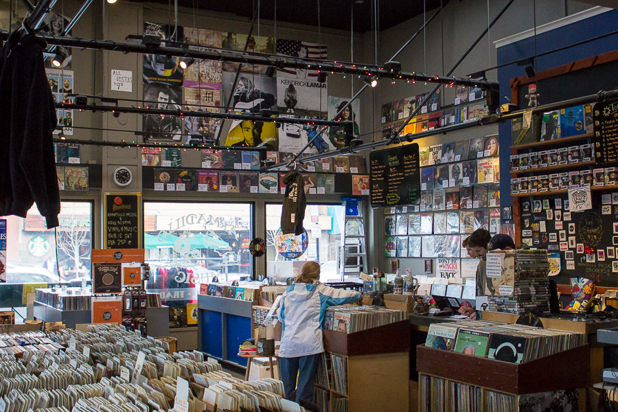 Armadillo, KDVS collaborate to host Vinyl and Music Fair