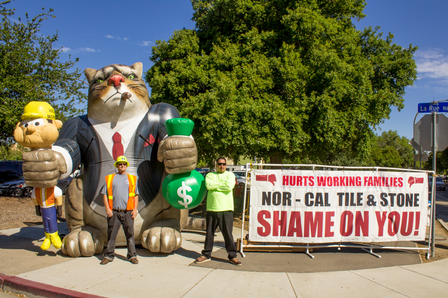 Construction union holds banner protest in Tercero Parking Lot