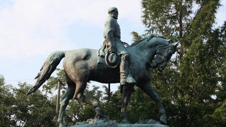 Treasonous transgressions: Confederate statues and their false patriotism