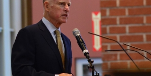 Governor Jerry Brown signs AB 562 into law, criminalizing audit interference