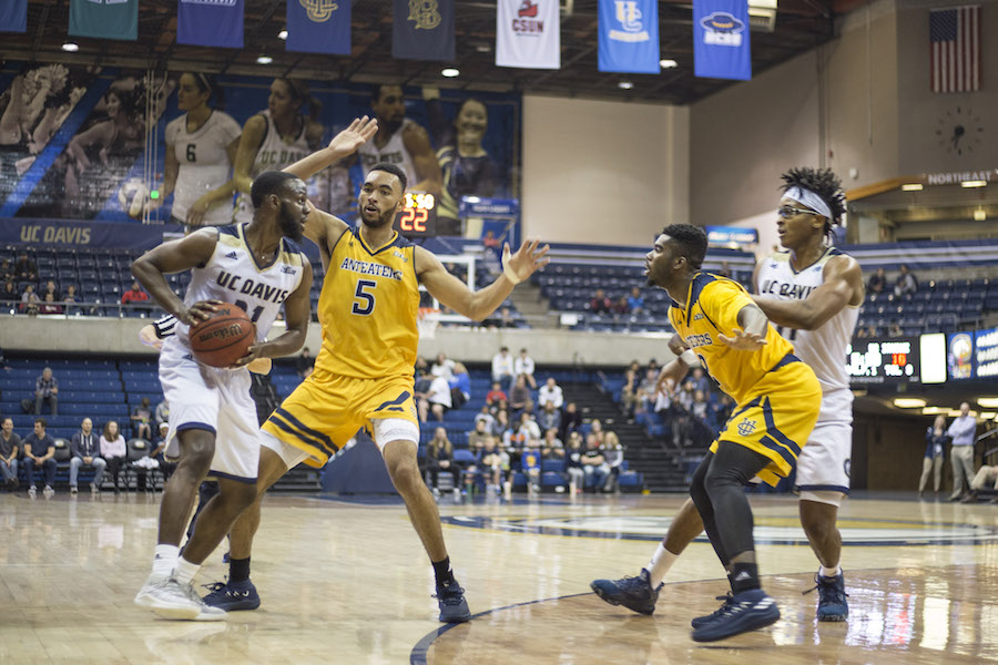 Aggies down Anteaters