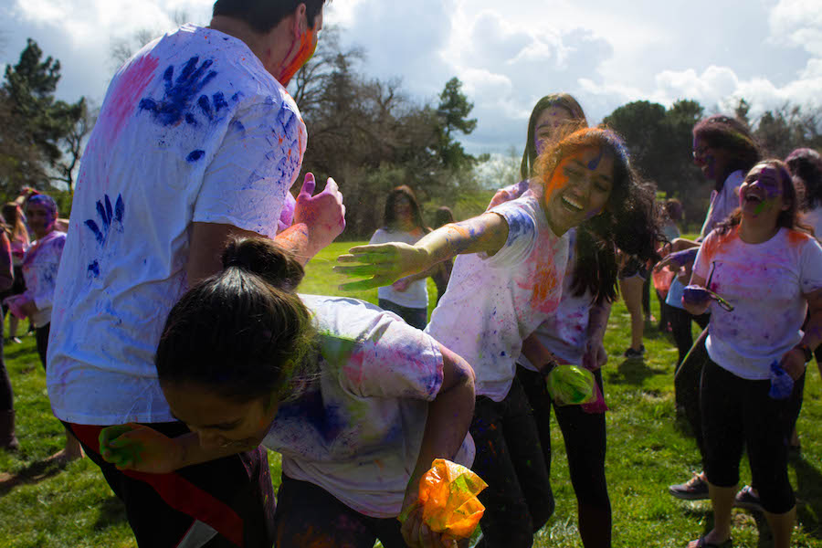 UC Davis students celebrate Holi at annual Rang de Davis
