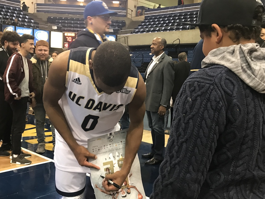 Collaboration brings together at-risk youth, UC Davis men's basketball