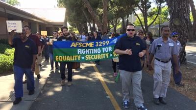 UC Davis custodians protest management treatment