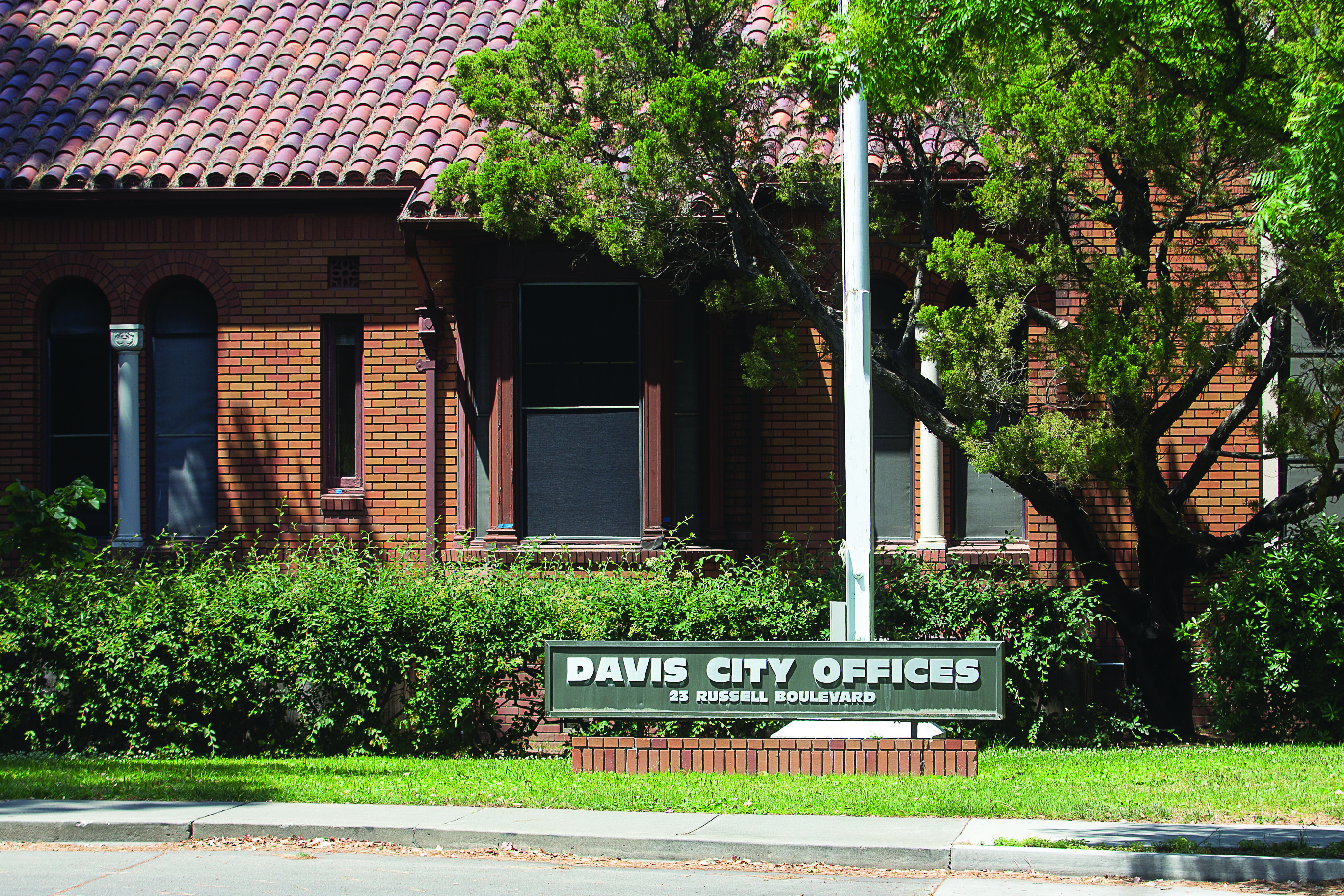 Get to know your Davis politicians