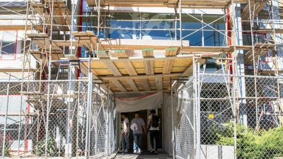 Students live in Tercero residence halls despite ongoing construction