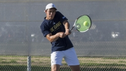 Men's tennis ends fall season with a bang