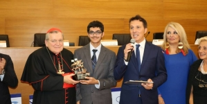 15-year-old alumnus receives prestigious award at Vatican