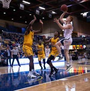Comeback victory gives Aggies fifth win in a row