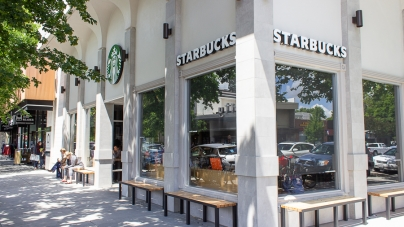 New Starbucks opens on F Street across from previous location