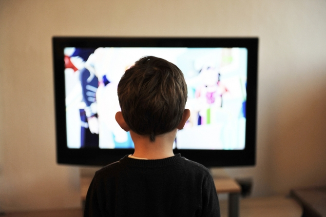 Explaining moral lessons in media can help children behave more prosocially