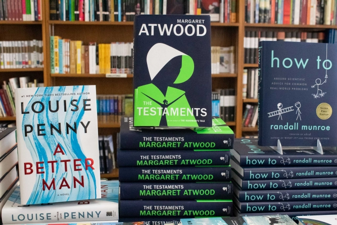 """Review: Margaret Atwood's """"The Testaments"""""""