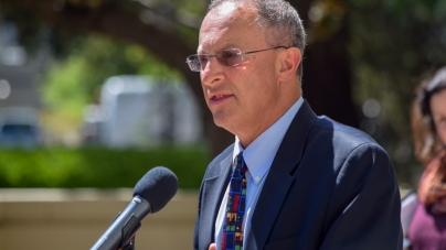 Hexter to leave UC Davis administration at end of academic year