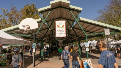 Davis Farmers Market continues during pandemic, attendance increases due to return of students to Davis