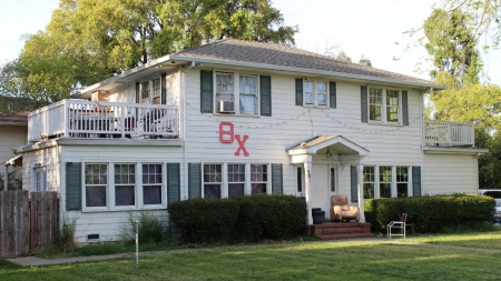 Theta Chi fraternity quarantined after positive COVID case