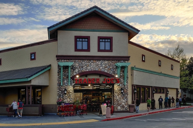Aggies share their experiences as Trader Joe's crew members
