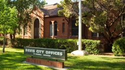 Davis City Council unanimously votes to move homeless services out of the Davis Police Department